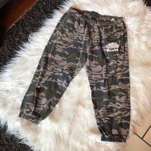 ROOTS | Camo Joggers Cropped Camouflage Sweatpants